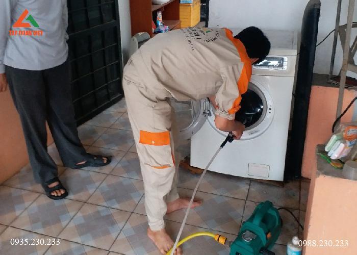 Dịch vụ vệ sinh máy giặt tại 12 quận Hà Nội