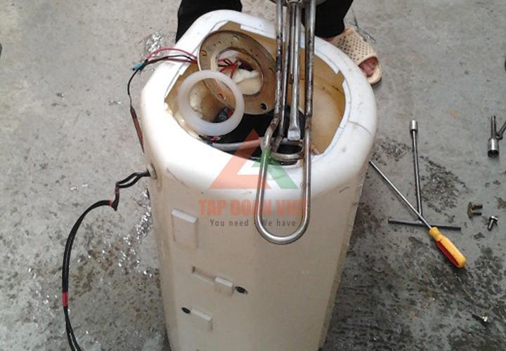 sửa bình nóng lạnh giá rẻ tại nhà Hà Nội