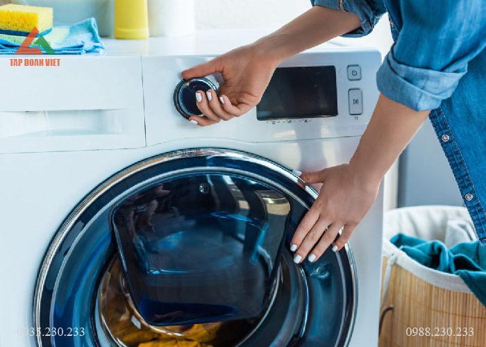 Cách giặt áo da bằng máy giặt không làm bong tróc lớp da áo