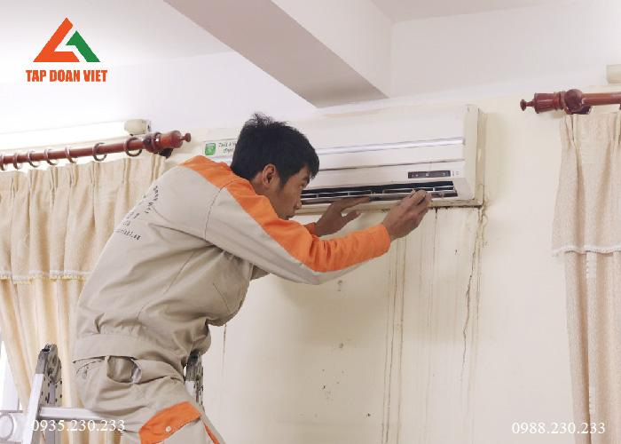 Tiến hành lắp đặt lại điều hòa hoàn chỉnh sau khi quá trình khắc phục xong tại nhà