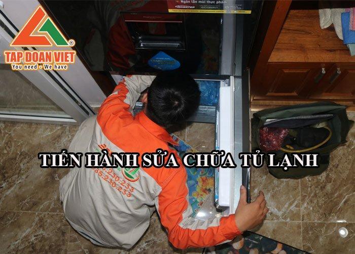 Bắt đầu quá trình sửa chữa tủ lạnh ngay tại nhà khách hàng